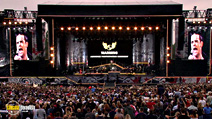 Still #4 from Robbie Williams: What We Did Last Summer: Live at Knebworth