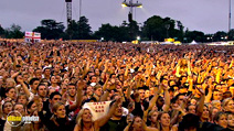 Still #8 from Robbie Williams: What We Did Last Summer: Live at Knebworth