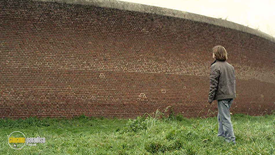 Beyond the Walls (aka Hors Les Murs) online DVD rental