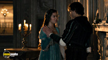 A still #10 from Romeo and Juliet (2013) with Douglas Booth and Hailee Steinfeld