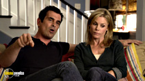 A still #20 from Modern Family: Series 2 with Julie Bowen and Ty Burrell
