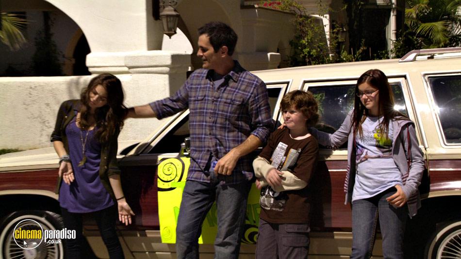 Modern Family: Series 2 online DVD rental