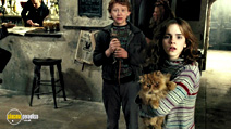 A still #5 from Harry Potter and the Prisoner of Azkaban with Rupert Grint and Emma Watson
