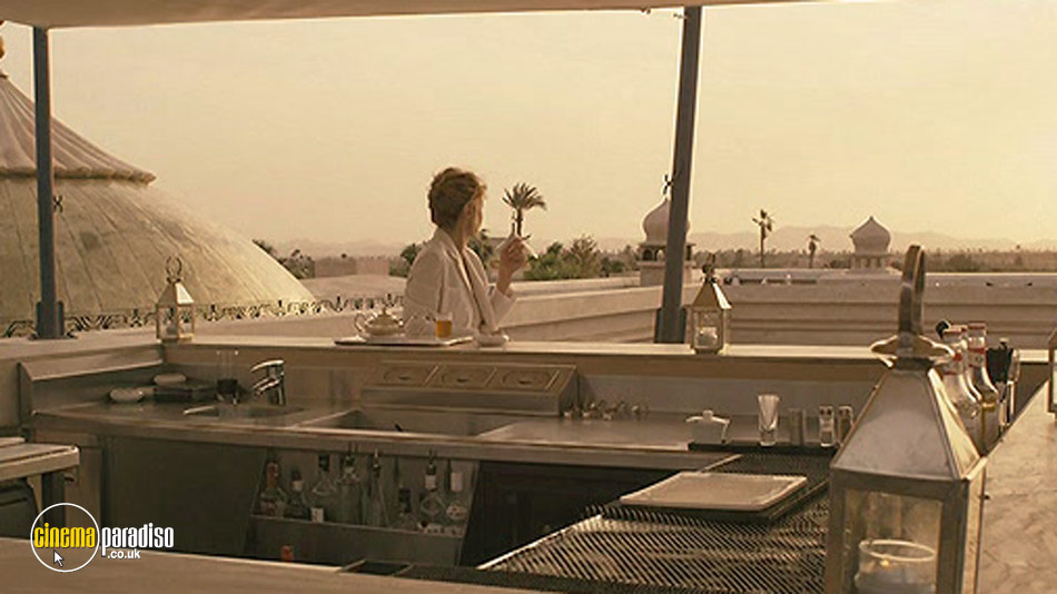A Five Star Life (aka Viaggio sola) online DVD rental