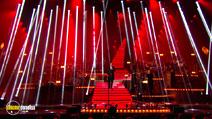 Still #3 from Robbie Williams: One Night at the Palladium
