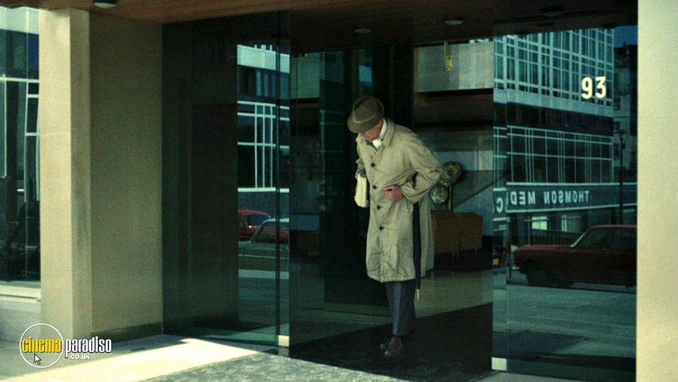 The Short Films by Jacques Tati (aka On demande une brute / Gai dimanche / Soigne ton gauche / L'école des facteurs / Cours du Soir / Dégustation maison / Forza Bastia) online DVD rental