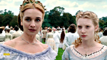 A still #31 from Alice in Wonderland with Mia Wasikowska