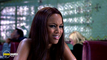 A still #21 from Coyote Ugly with Tyra Banks