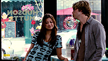 A still #35 from The Back-Up Plan with Eric Christian Olsen and Noureen DeWulf