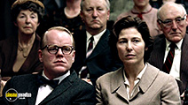 A still #15 from Capote with Philip Seymour Hoffman and Catherine Keener