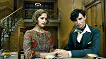 A still #10 from The Danish Girl with Eddie Redmayne and Alicia Vikander