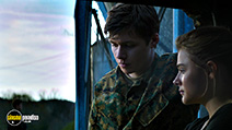 A still #6 from The 5th Wave with Nick Robinson and Chloë Grace Moretz