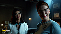 A still #7 from Gotham: Series 2 (2015) with Morena Baccarin