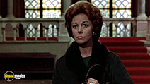 A still #5 from The Honey Pot (1967) with Susan Hayward