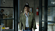 A still #4 from Narcos: Series 1 (2015) with Pedro Pascal