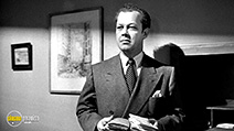 A still #9 from Cry of the City (1948) with Berry Kroeger