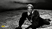 A still #4 from Hamlet (1948) with Laurence Olivier