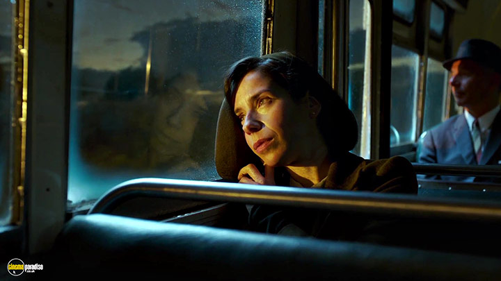 A still #7 from The Shape of Water (2017)