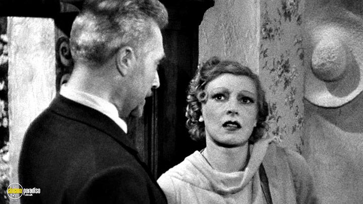 A still #9 from I Accuse (1938)