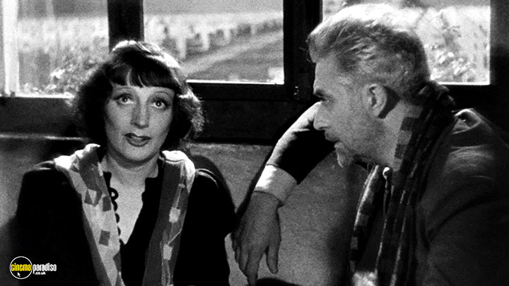 A still #7 from I Accuse (1938)