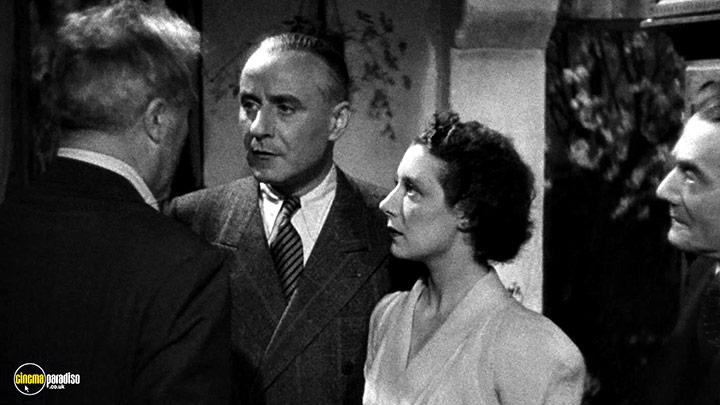 A still #6 from I Accuse (1938)