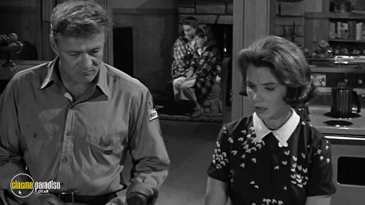 A still #30 from The Alfred Hitchcock Hour: Series 1 (1962)
