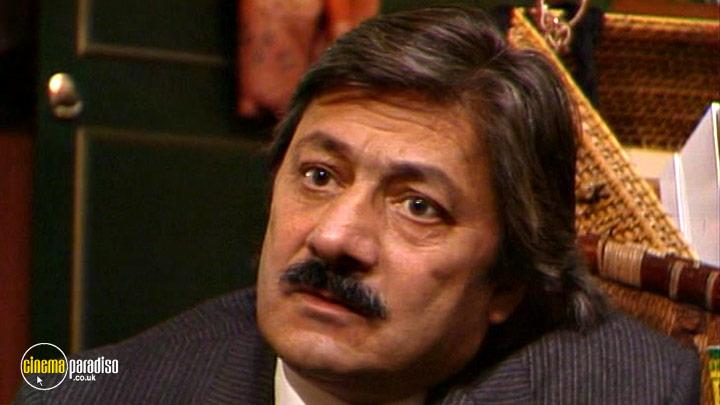 A still #7 from Tandoori Nights: Series 1 (1985)