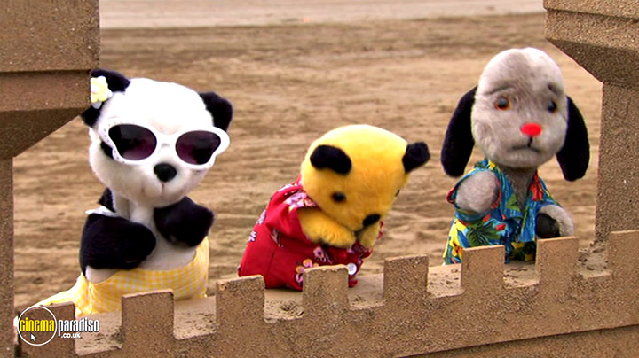 A still #1 from Sooty: Learn the Alphabet (2015)