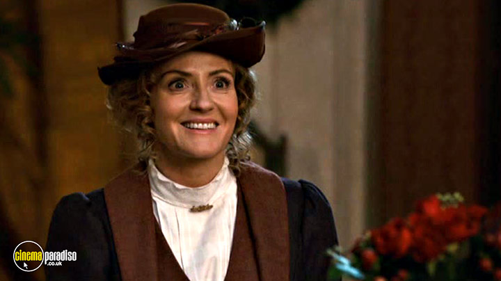 A still #2 from Murdoch Mysteries: Home for the Holidays (2017)