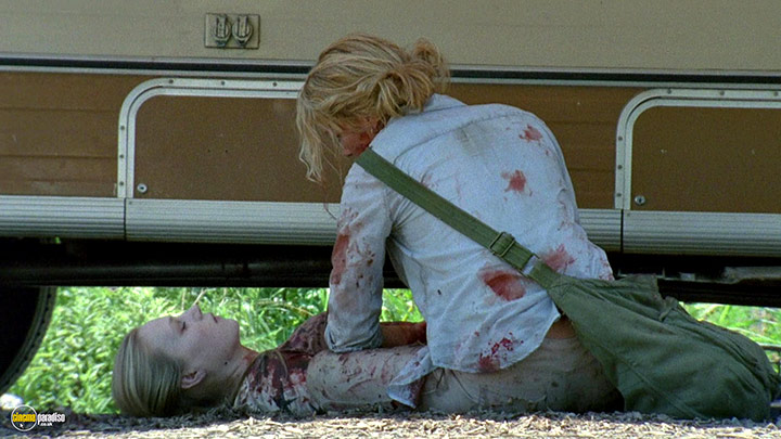 A still #19 from The Walking Dead: Series 1 (2010)