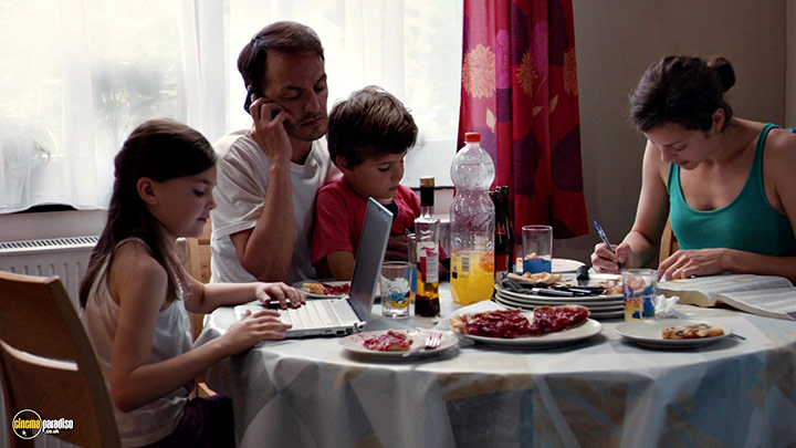 A still #10 from Two Days, One Night (2014) With Fabrizio Rongione And Marion Cotillard