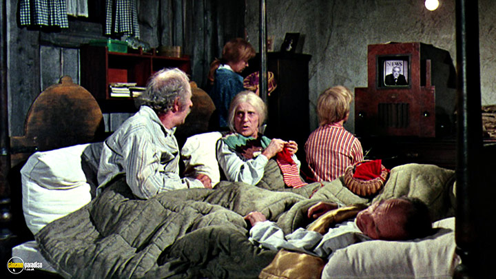 A still #20 from Willy Wonka and the Chocolate Factory (1971)