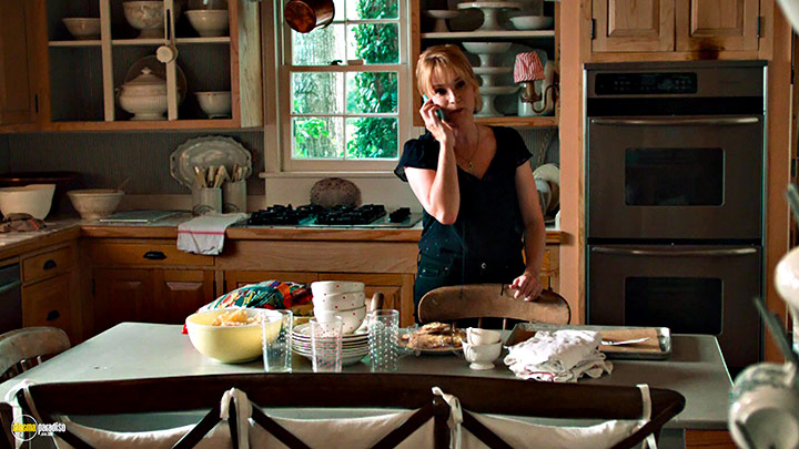 A still #25 from Left Behind (2014) With Lea Thompson