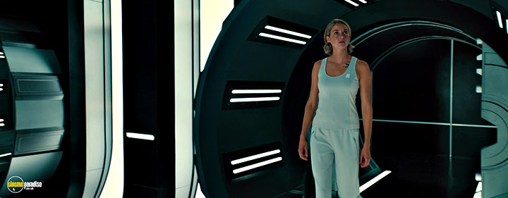 A still #9 from Allegiant (2016) With Shailene Woodley
