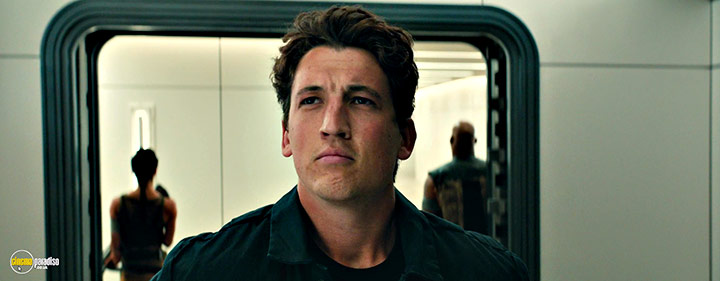 A still #6 from Allegiant (2016) With Miles Teller