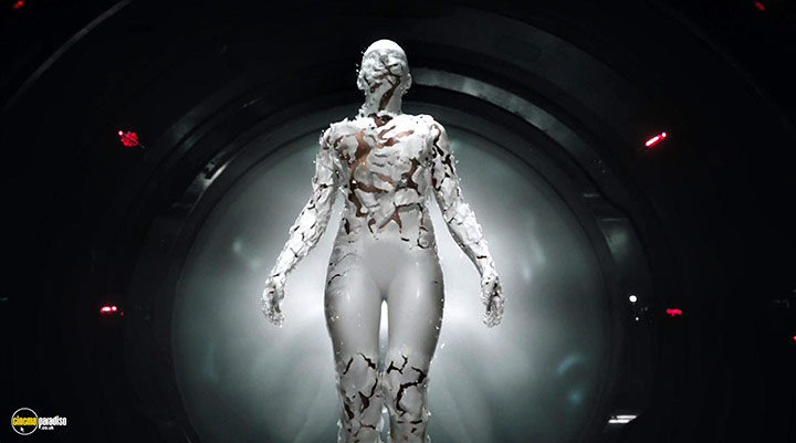 A still #2 from Ghost in the Shell (2017)
